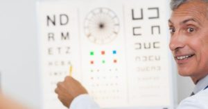 4 diferencias entre Oftalmólogo, Optometrista y Óptico