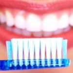 4 indicadores de que el esmalte dental se erosionó