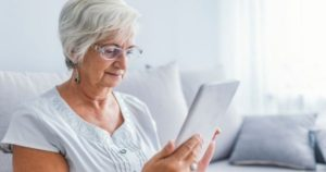 5 pasos para mejorar la vista cansada en el adulto mayor