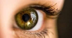 6 consejos que te ayudará a ponerte los lentes de contacto correctamente