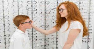 8 consejos para comprar los anteojos de tus niños