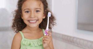 ¿A qué edad tienen que empezar a lavarse los dientes los niños