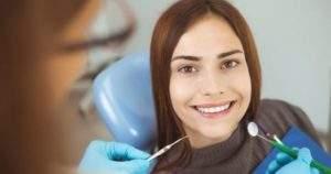 Alivia la inflamación del rostro luego de una extracción dental