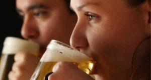 ¿Cómo afecta la cerveza a tus dientes?