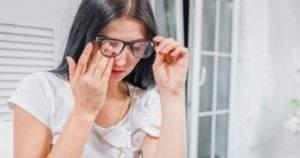 Cómo afectan los problemas hepáticos los ojos