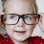 ¿Cómo saber si tu bebé necesita lentes?