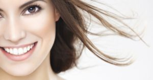 Proteger tu sonrisa puede ayudarte a permanecer joven